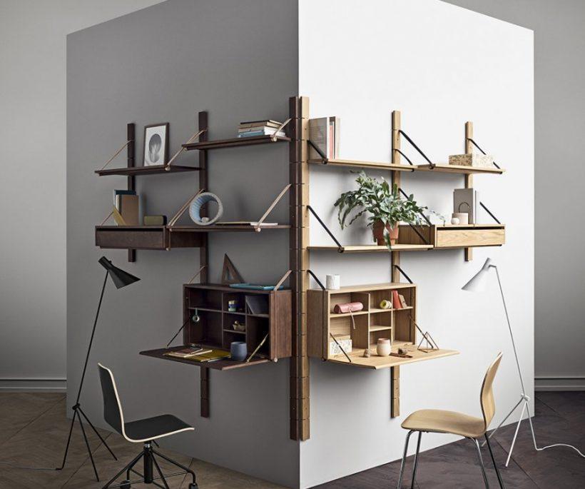 un bureau sur un pan de mur